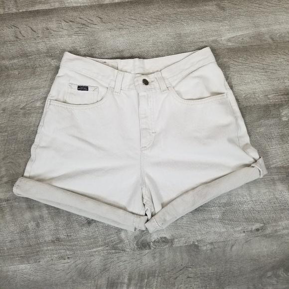 Vintage Pants - Vintage Lee high rise mom jean shorts.